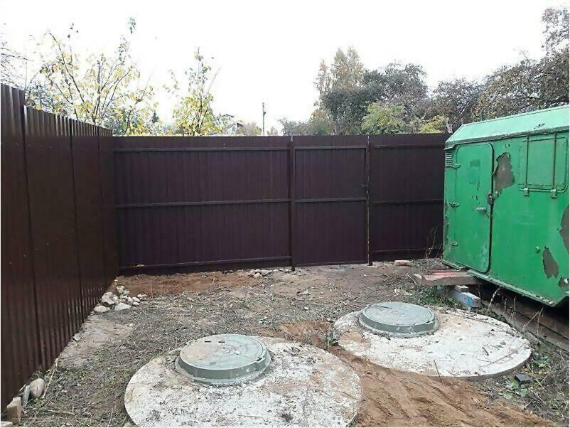 Забор из металлопрофиля 8017 коричневый фото 6