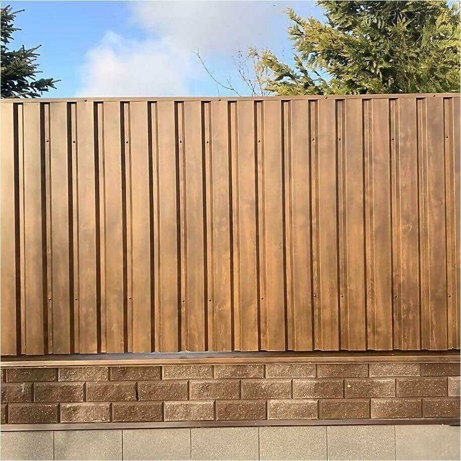 Забор из профлиста НС-21 цвет Printech темное дерево фото2