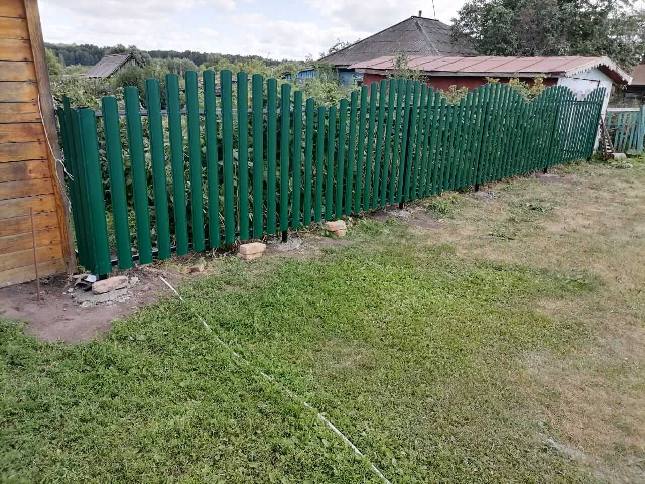 забор из штакетника Зеленый Мох фото1