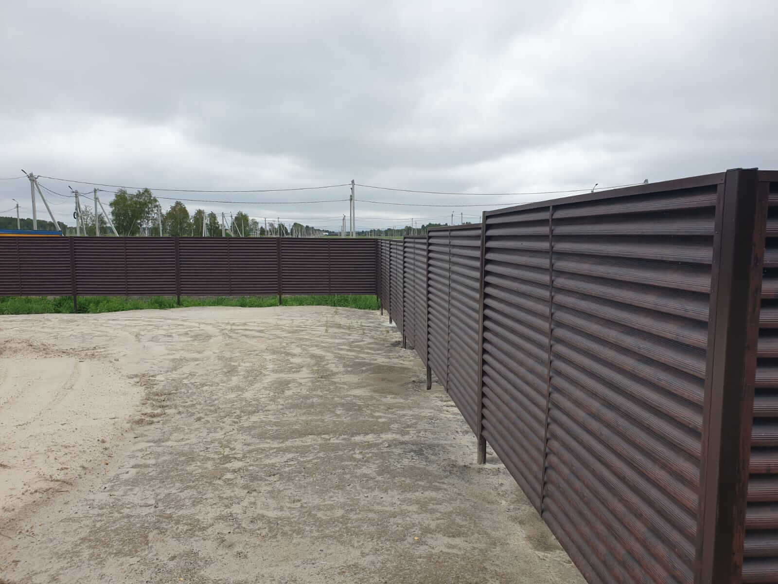 забор-жалюзи каштан красный фото10