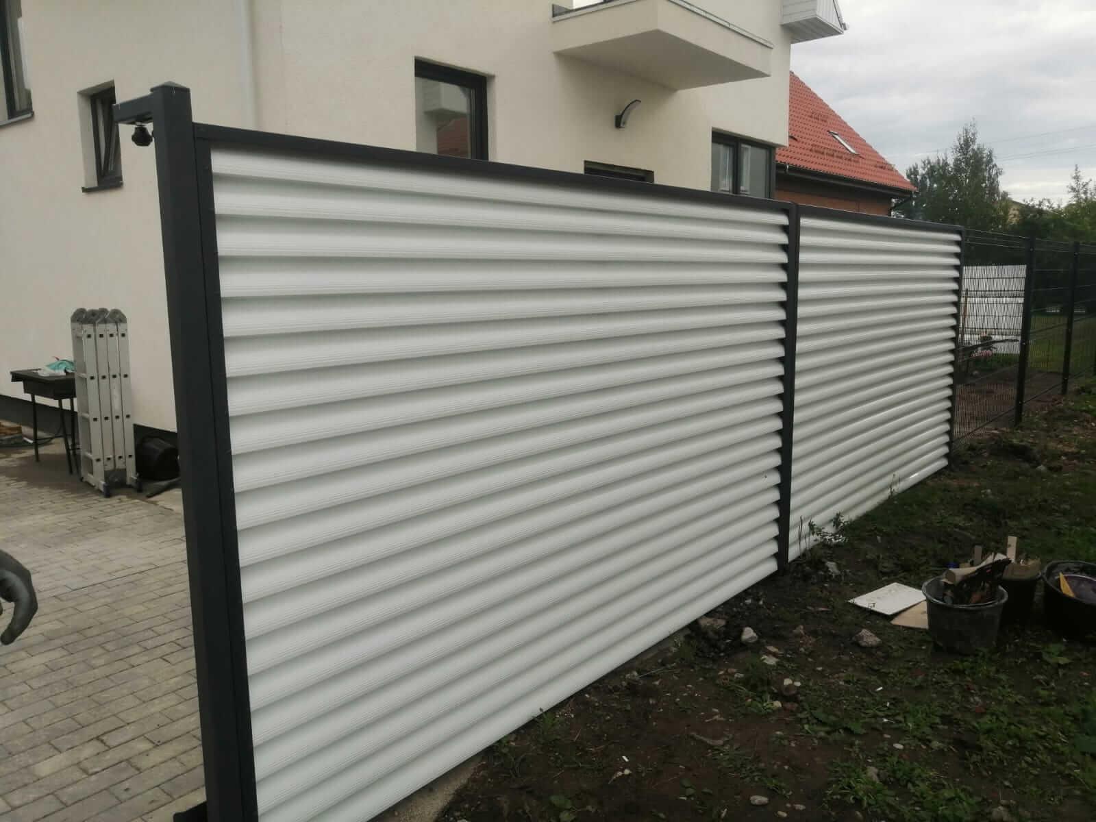 забор-жалюзи белый двухсторонний фото10