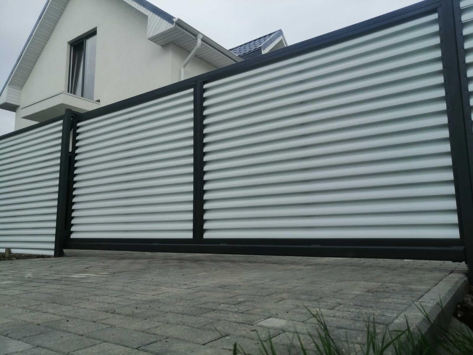 забор-жалюзи белый двухсторонний фото4
