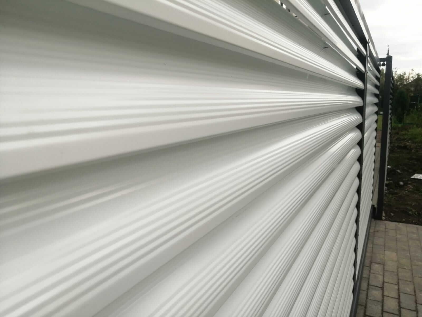 забор-жалюзи белый двухсторонний фото3
