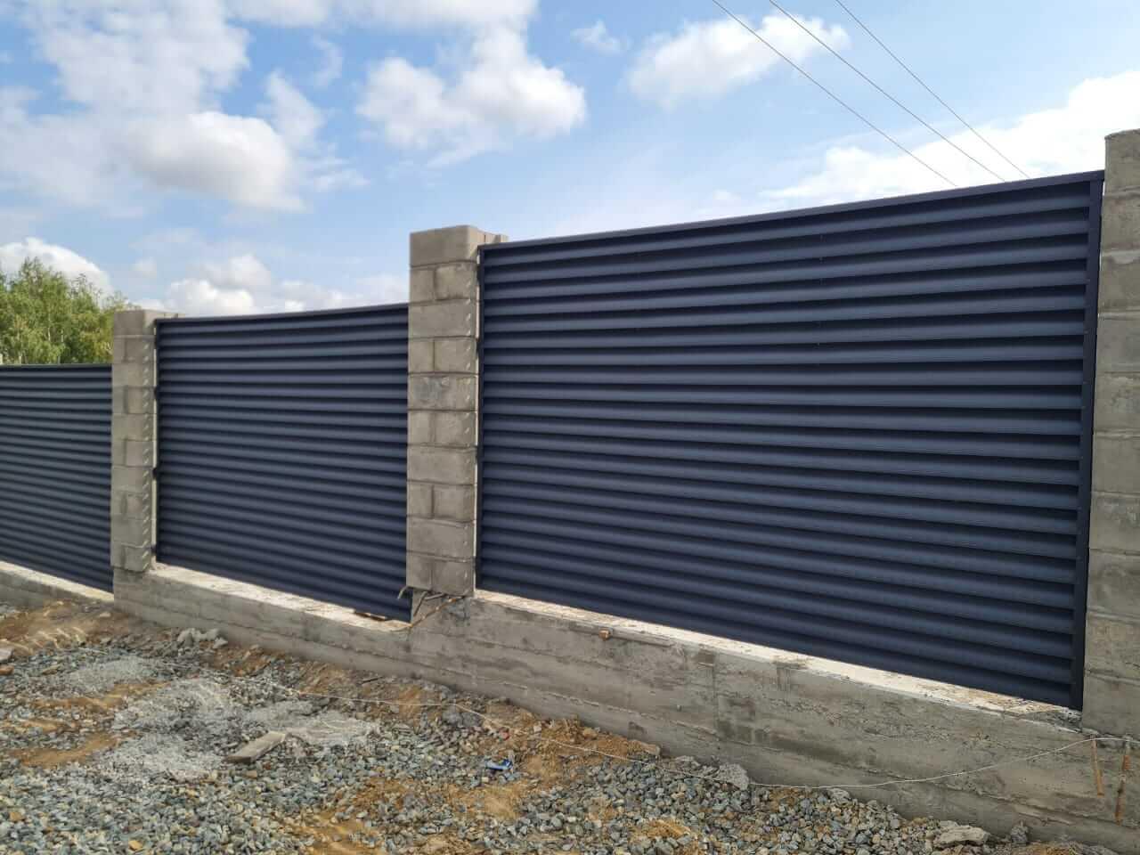 забор-жалюзи серый графит матовый фото1