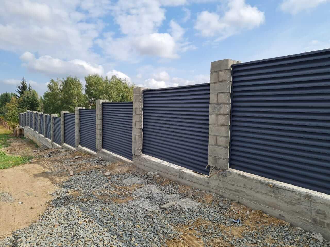 забор-жалюзи серый графит матовый фото10